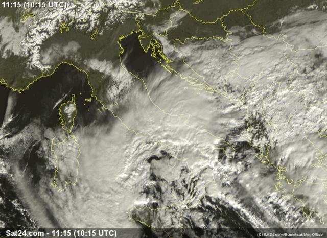 Immagini da satellite 01.12.13 alle ore 11:15